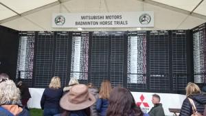 Noch von Hand geschrieben: die Ergebnissliste der Badminton Horse Trials